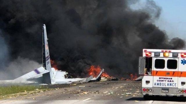 美軍60年機齡運輸機失事9人死亡