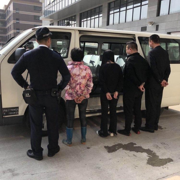 拘捕四偷渡男女