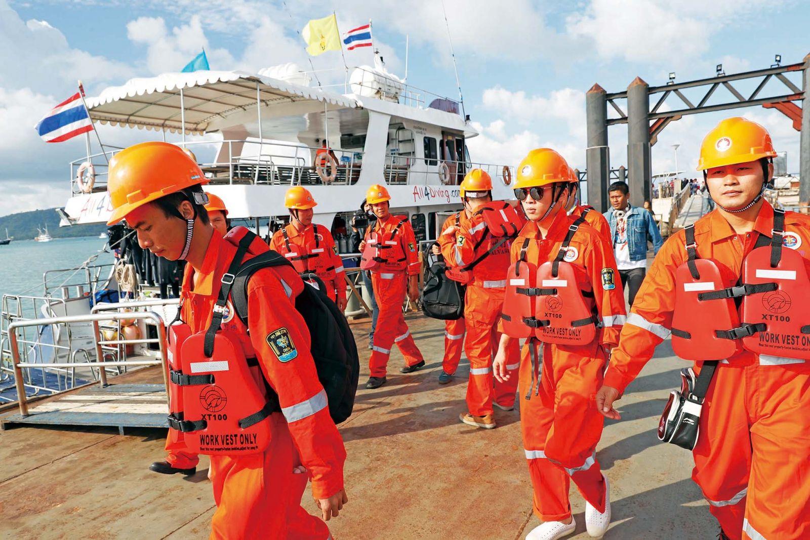 布吉觀光船翻沉 傳遊客被收走救生衣