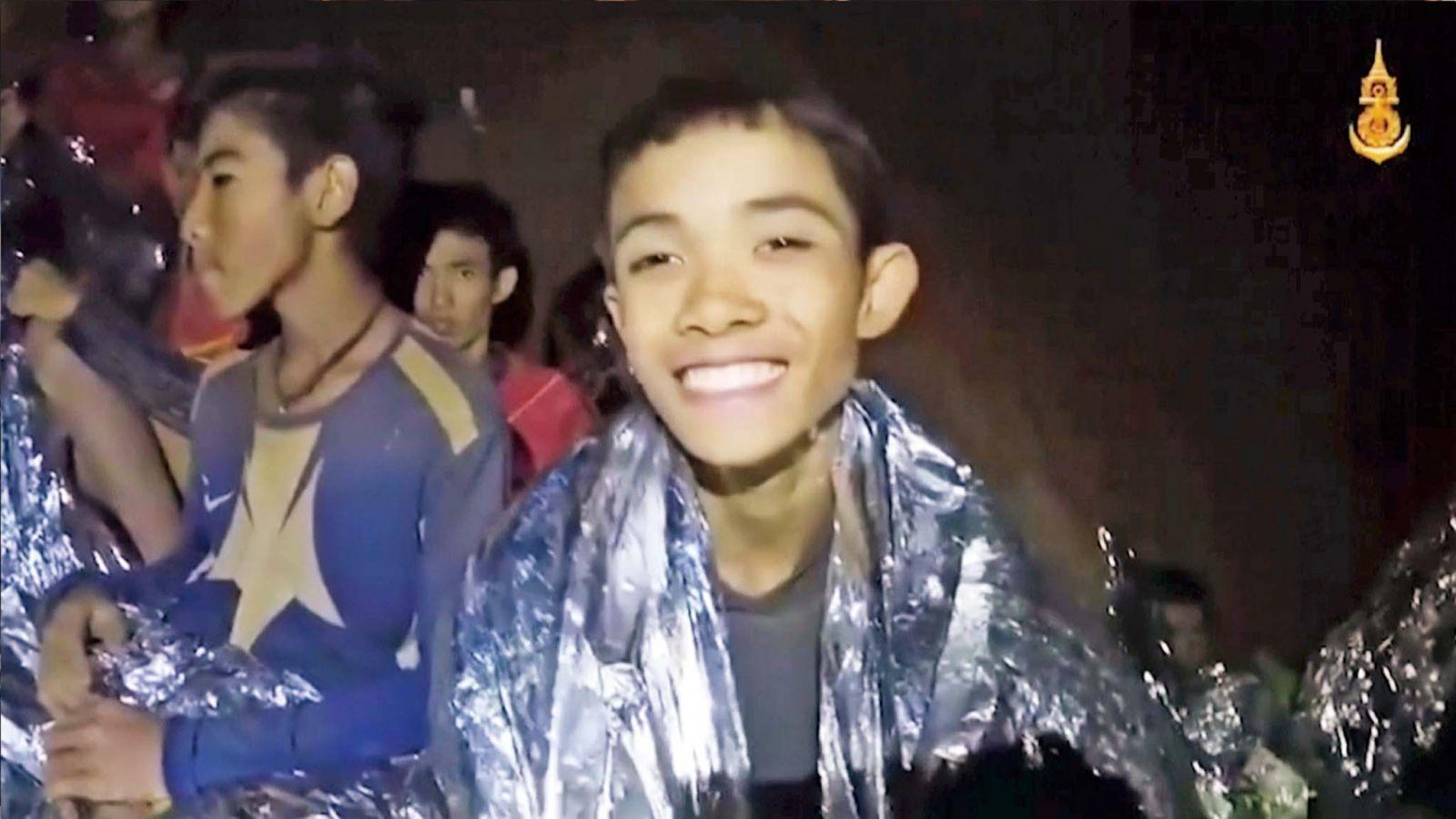 14歲少年助少足隊脫困