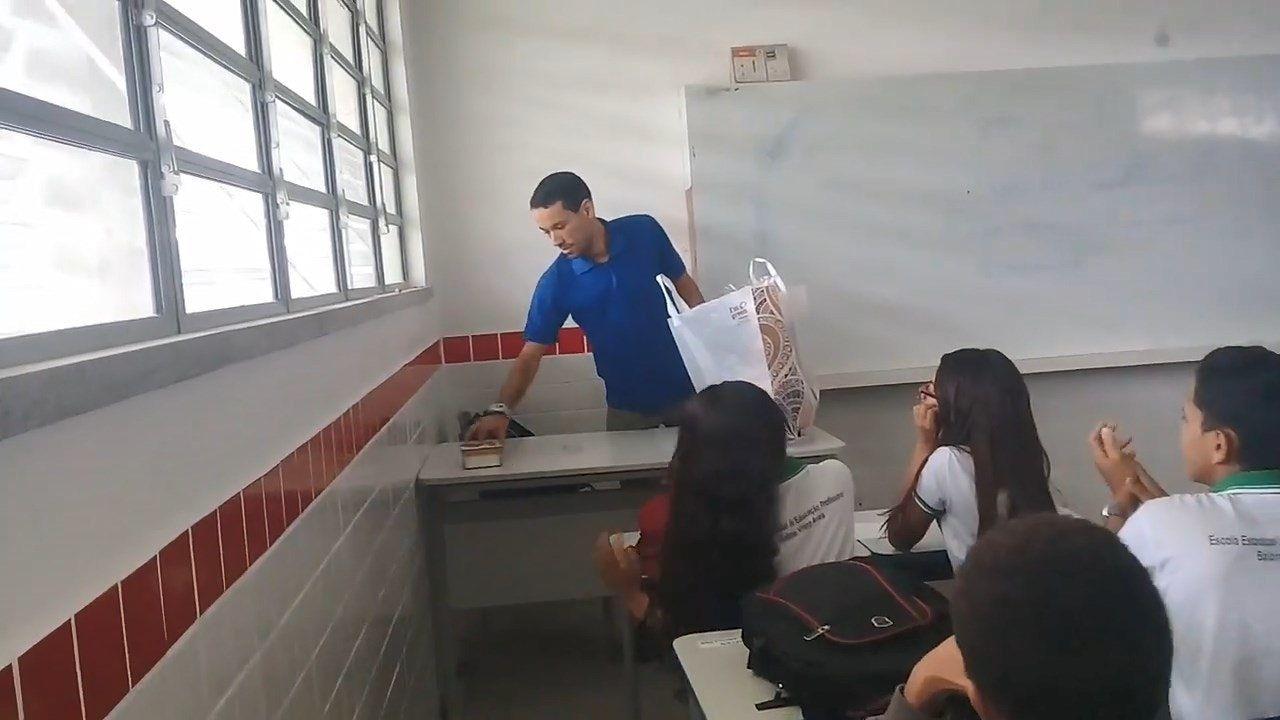 學生備暖心驚喜施援手