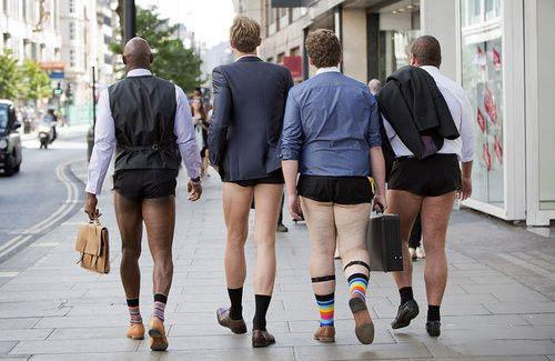 市長order:女警著熱褲