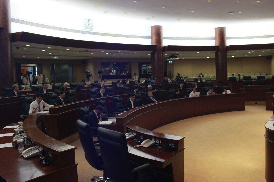 兩項火葬場選址辯論動議遭否決