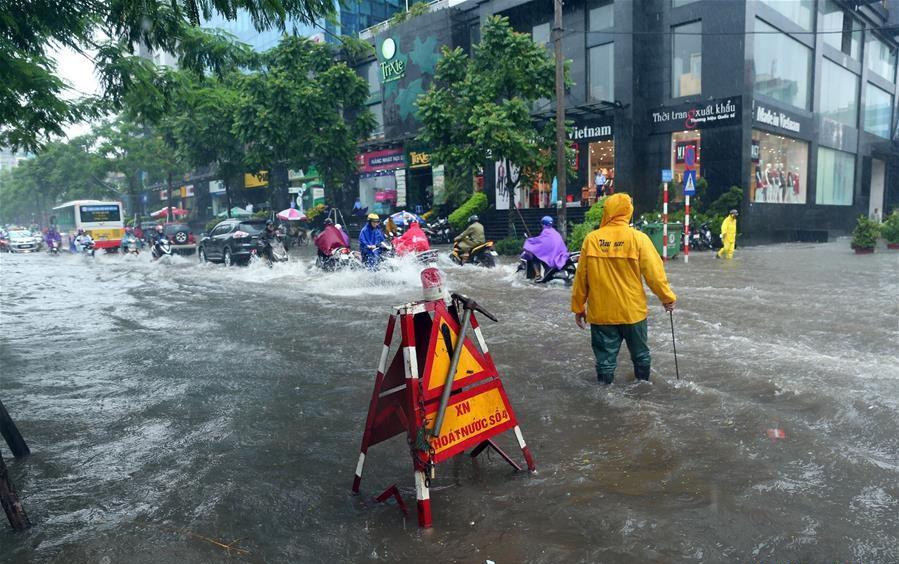 「山神」吹襲越南釀八死20失踪