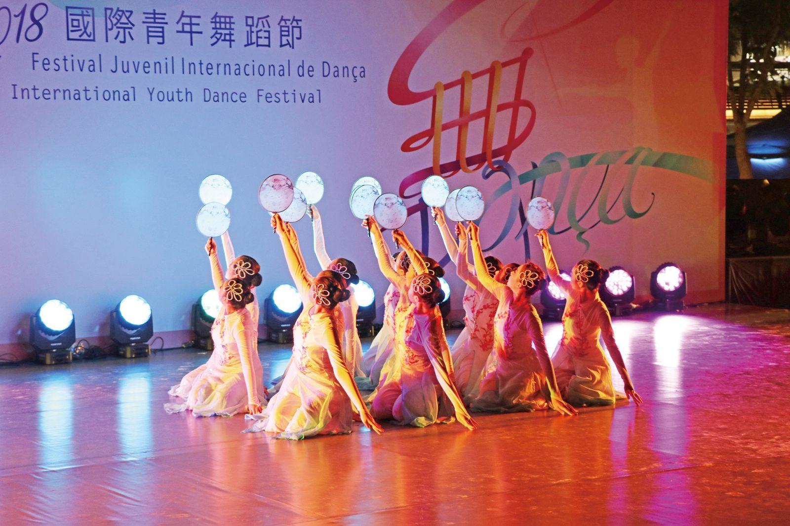 萬千舞姿 舞出東西方藝文精粹