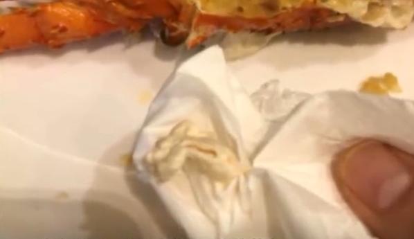 店員:龍蝦自己食落肚