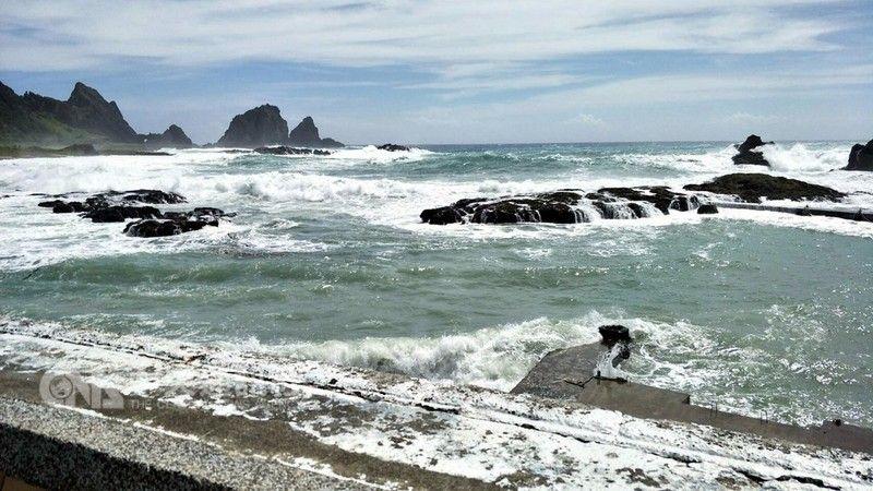 台灣蘭嶼現10級陣風停工停課