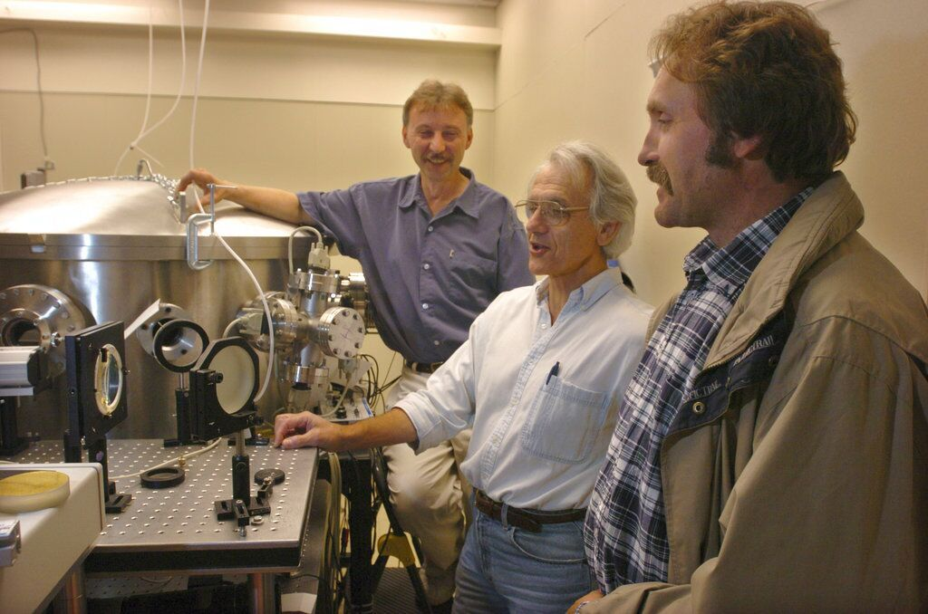 美法加學者共奪諾貝爾物理學獎