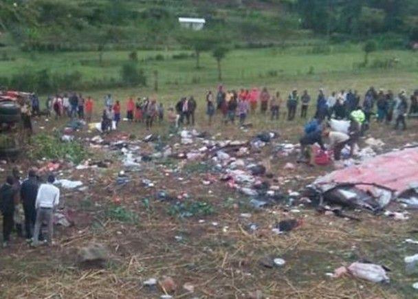 肯尼亞大巴翻側逾50人死亡