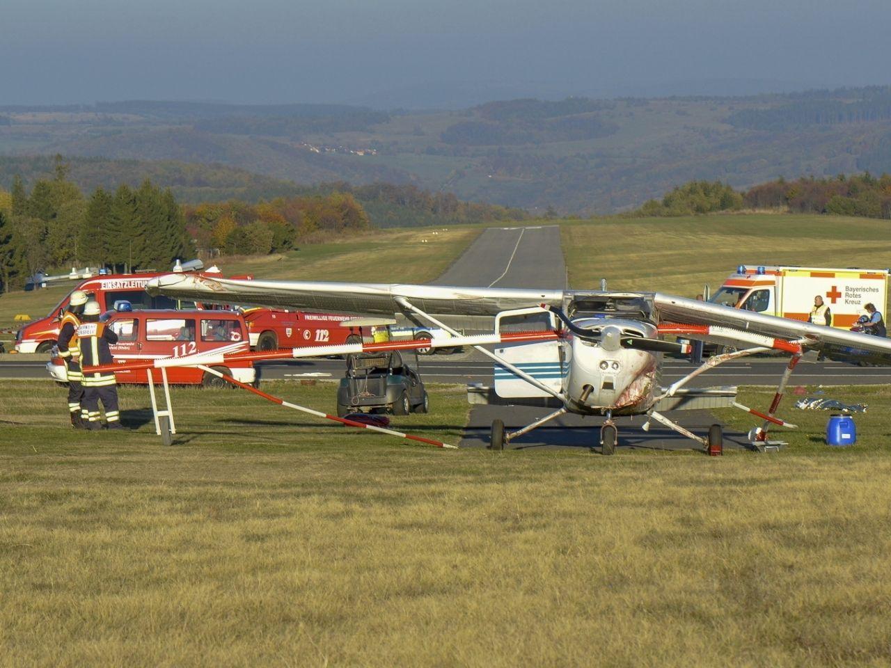 德國小型飛機失事墜毀釀3死