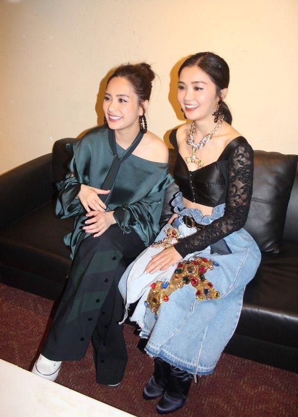 Twins澳門大唱飲歌冧粉絲
