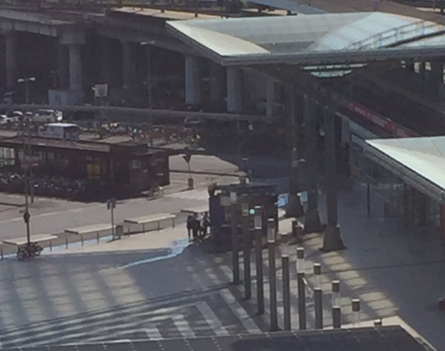 德國科隆火車站爆槍擊 有人質被挾持