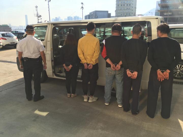 海關連破兩偷渡案拘五人