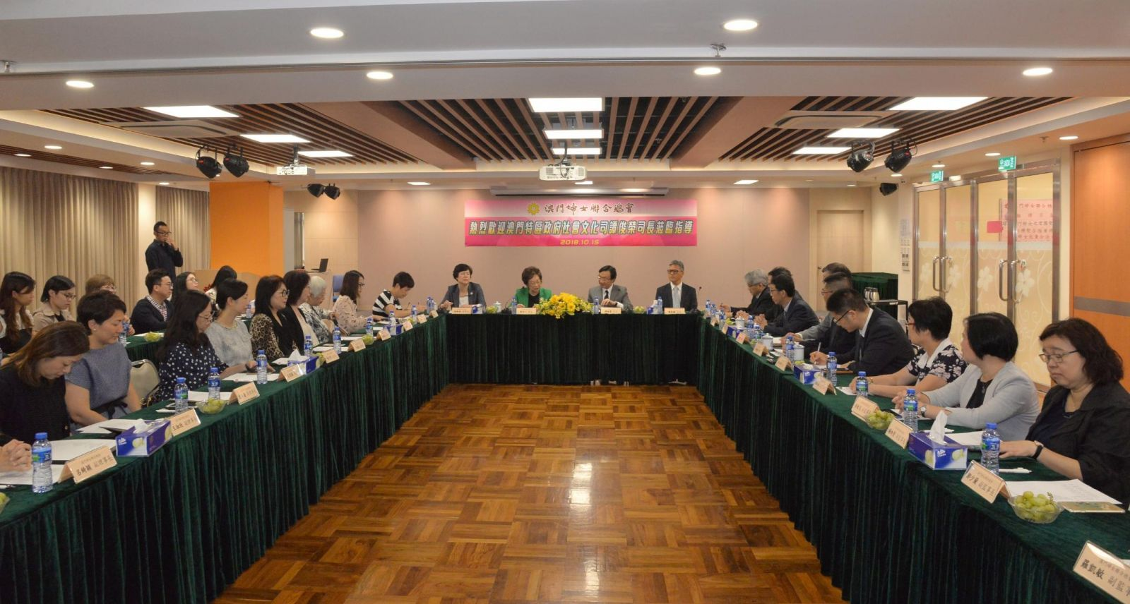 譚俊榮:將續聚焦民生工程