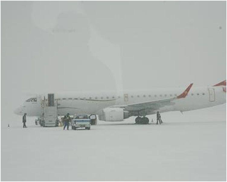 烏魯木齊機場逾5,000旅客滯留