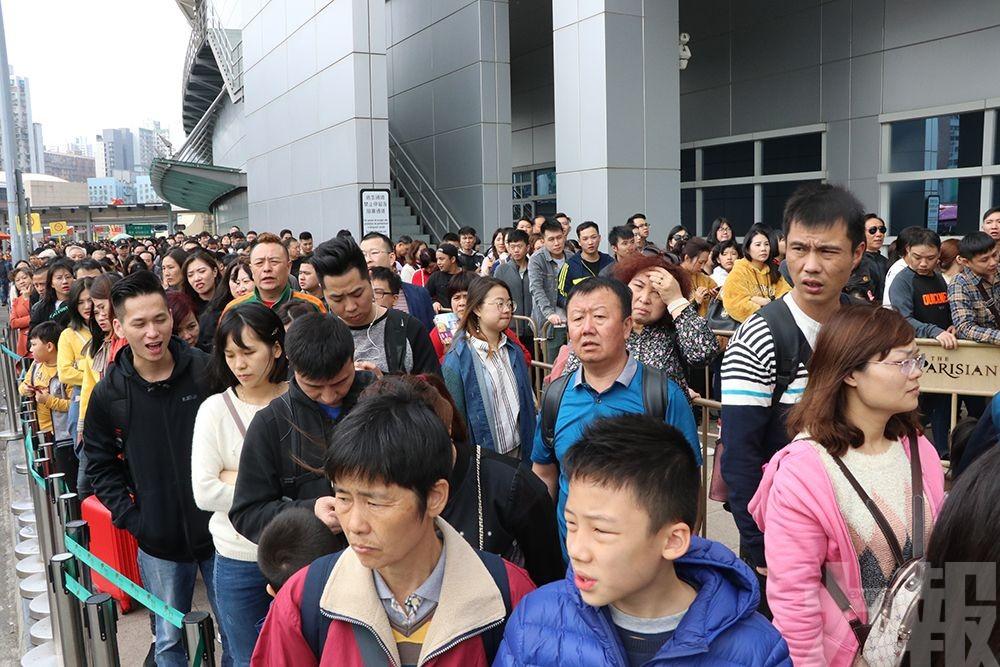 旅客:巴士站點分散較混亂