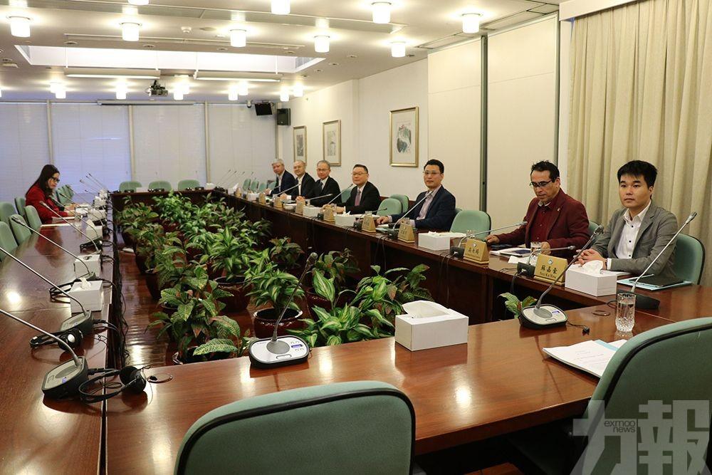 委員關注專業界別投保難