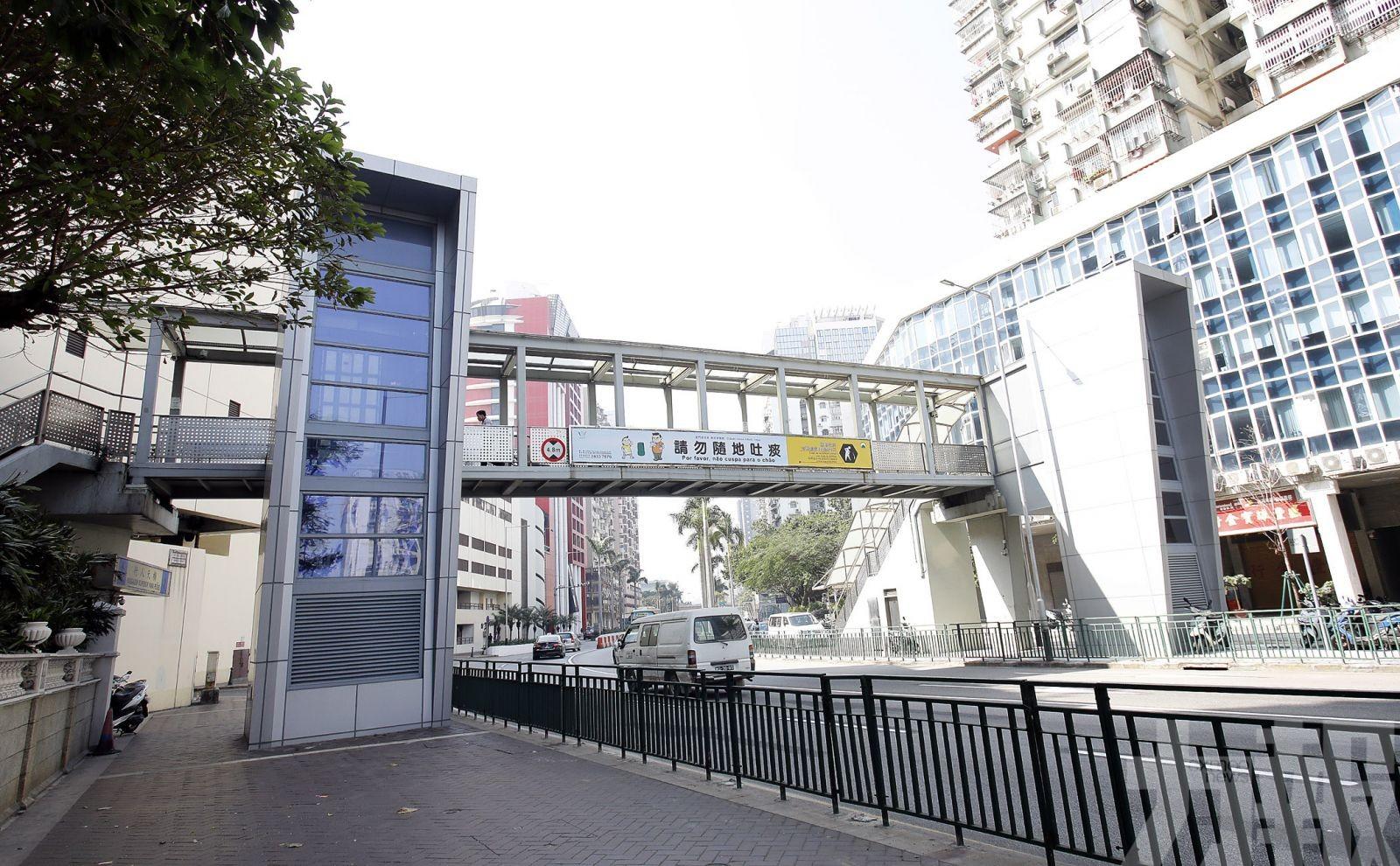 政府續優化行人天橋設施