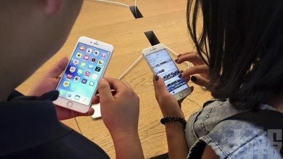 調查指幾乎全民手機上網