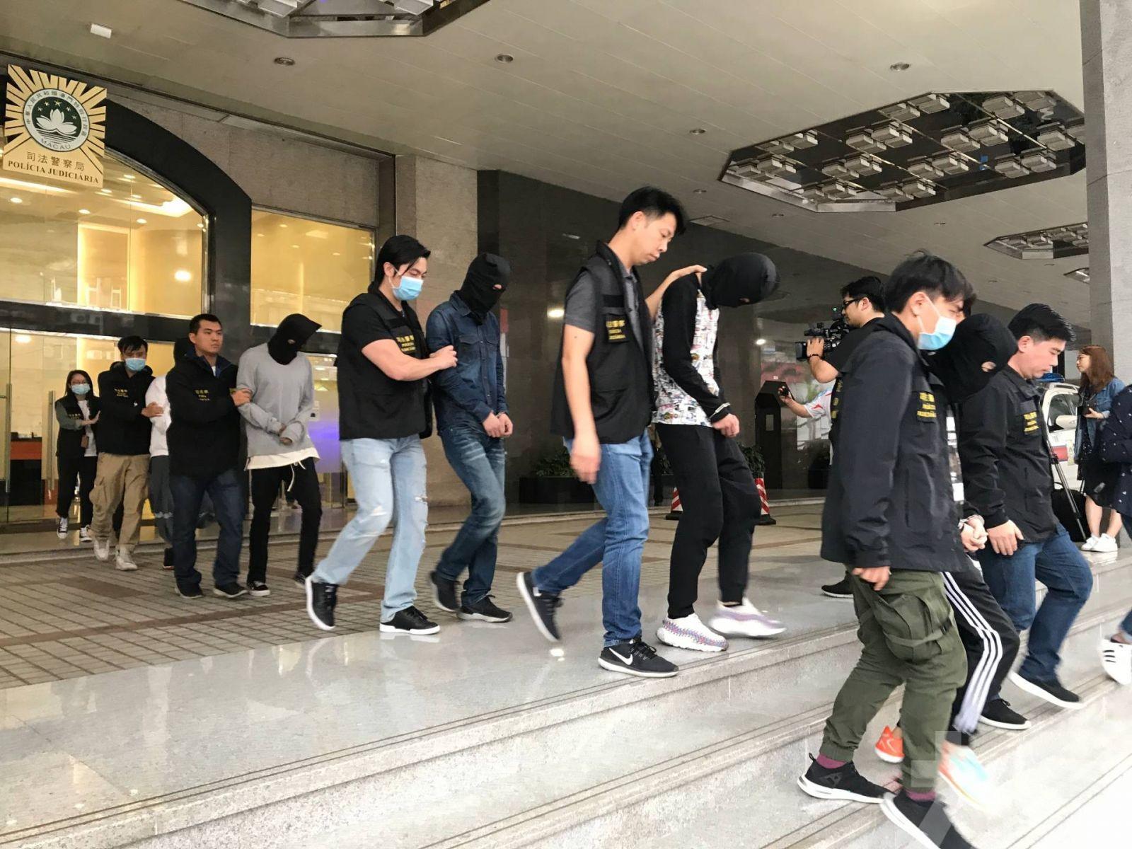 司警破犯罪集團拘7男女