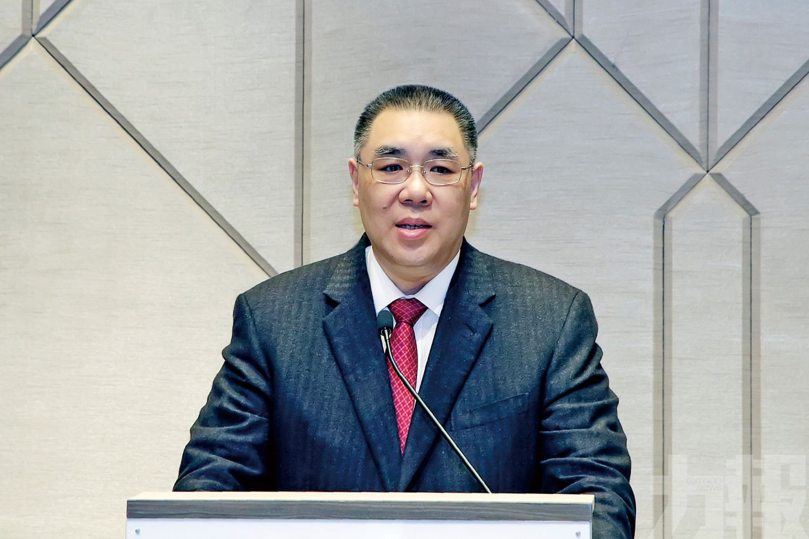 行政長官崔世安應邀下月訪問葡萄牙
