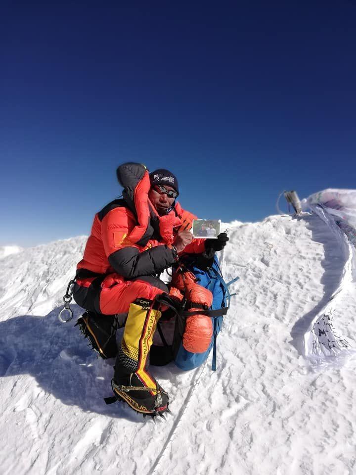 雪巴人24度征服珠峰