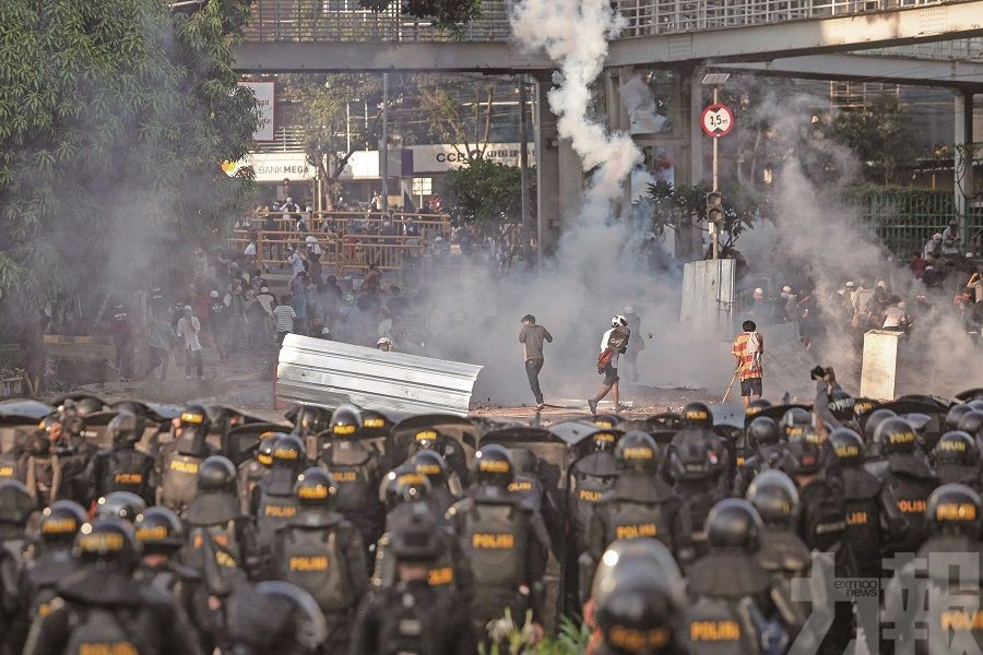 雅加達警民衝突六死逾200傷