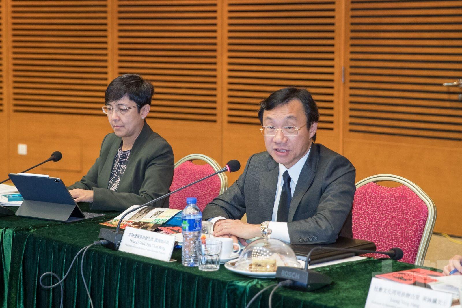 譚俊榮:當局正研究其他應對承載力方法