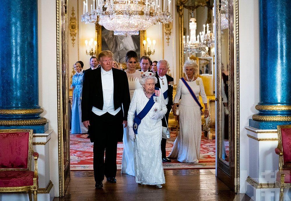 特朗普讚英女王是偉大女性