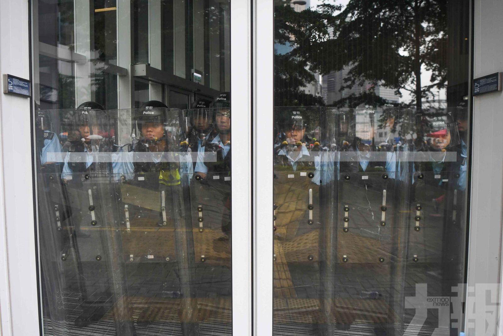 港警務處:暫不會尋求解放軍協助
