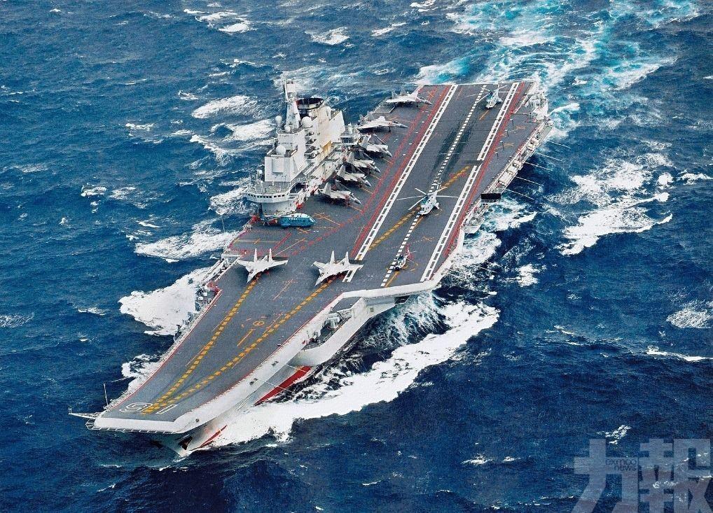遼寧號穿越台灣海峽 台軍嚴密監控