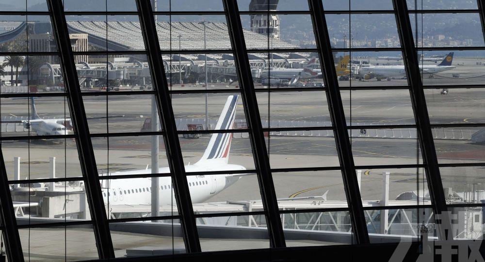 科威特客機降落法國 撞上機場建築