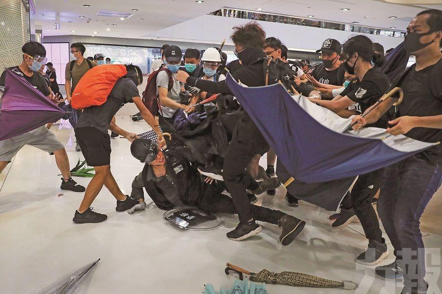 林鄭:警被暴徒肆意襲擊