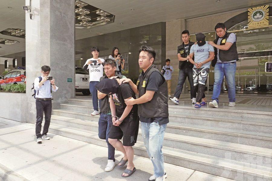 司警拘捕兩名湖北漢