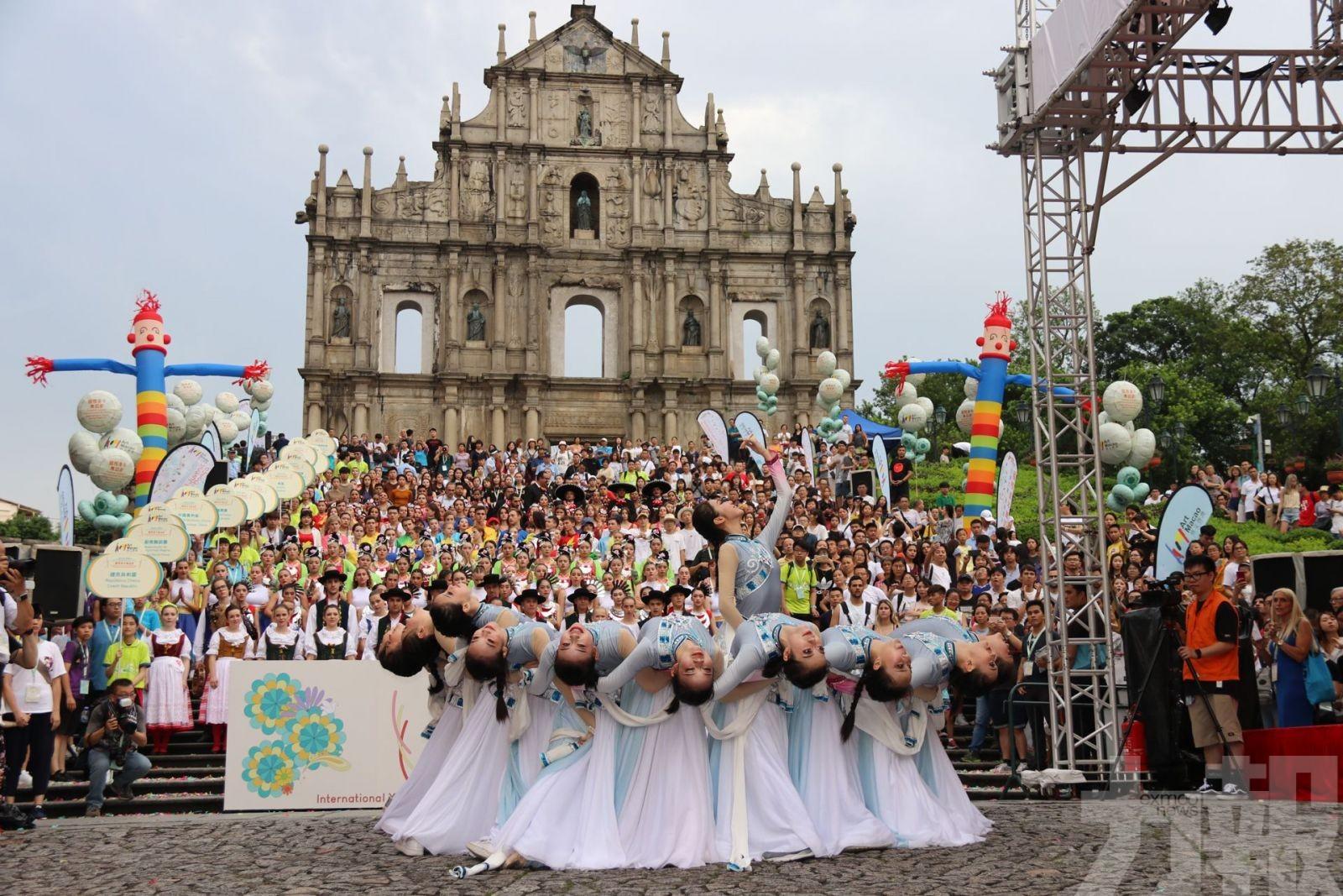 逾500表演者舞動世遺景點