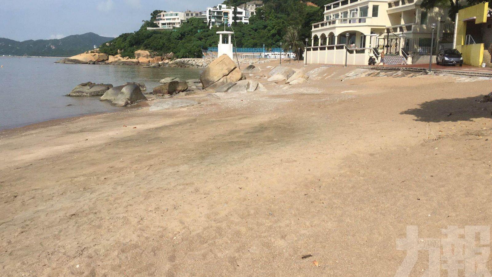 竹灣海灘水質異常不宜下水