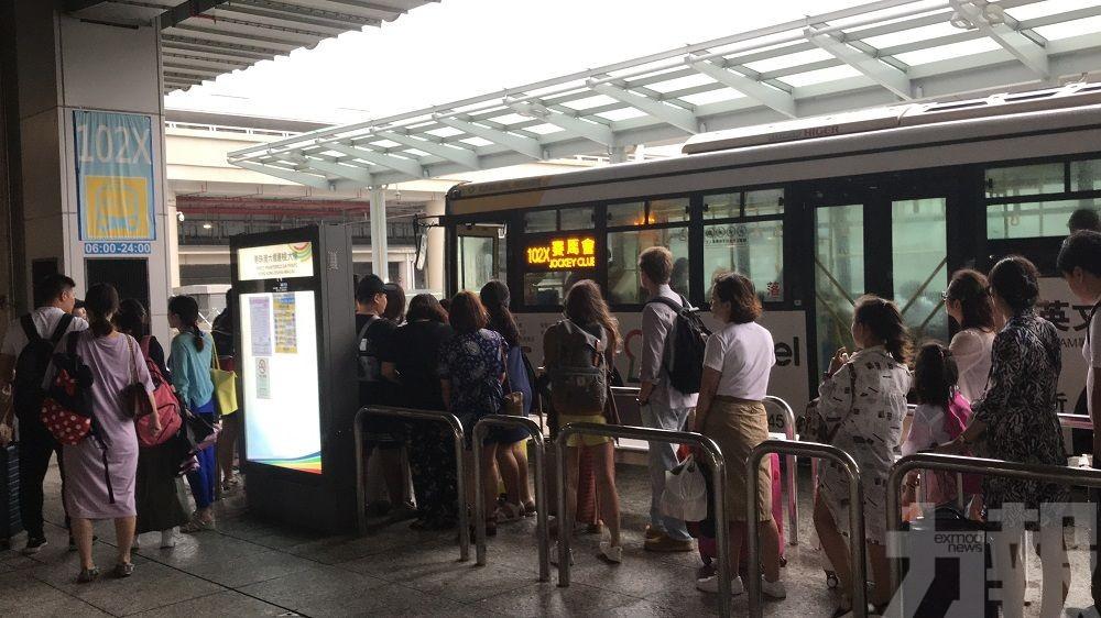 交通局與巴士公司協調加開臨時班次