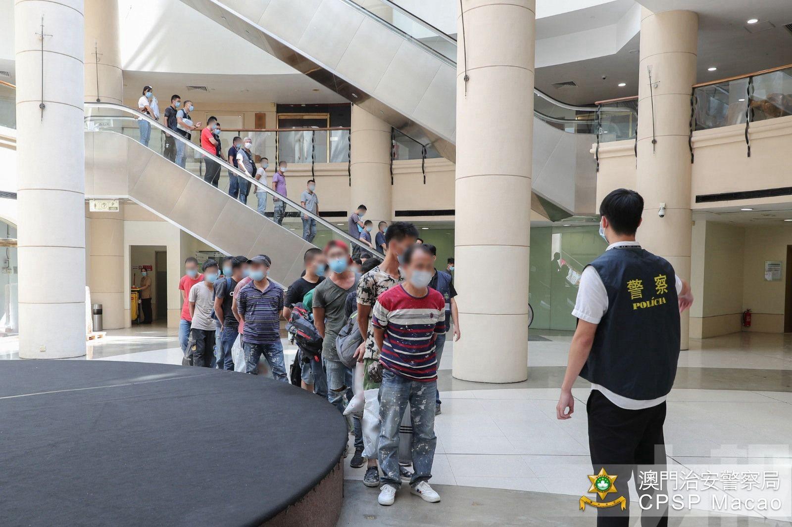 警揭裝修公司聘15黑工