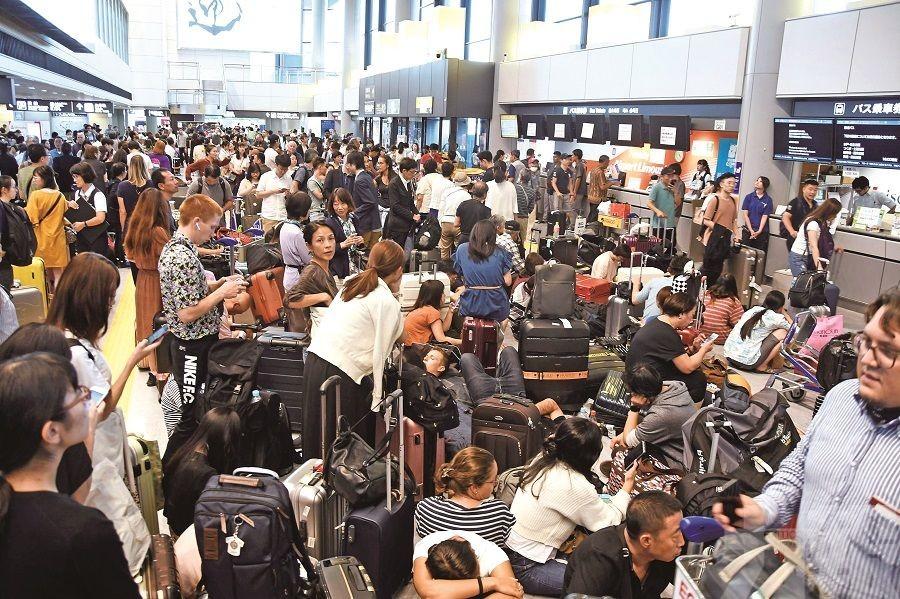 成田機場交通中斷成孤島