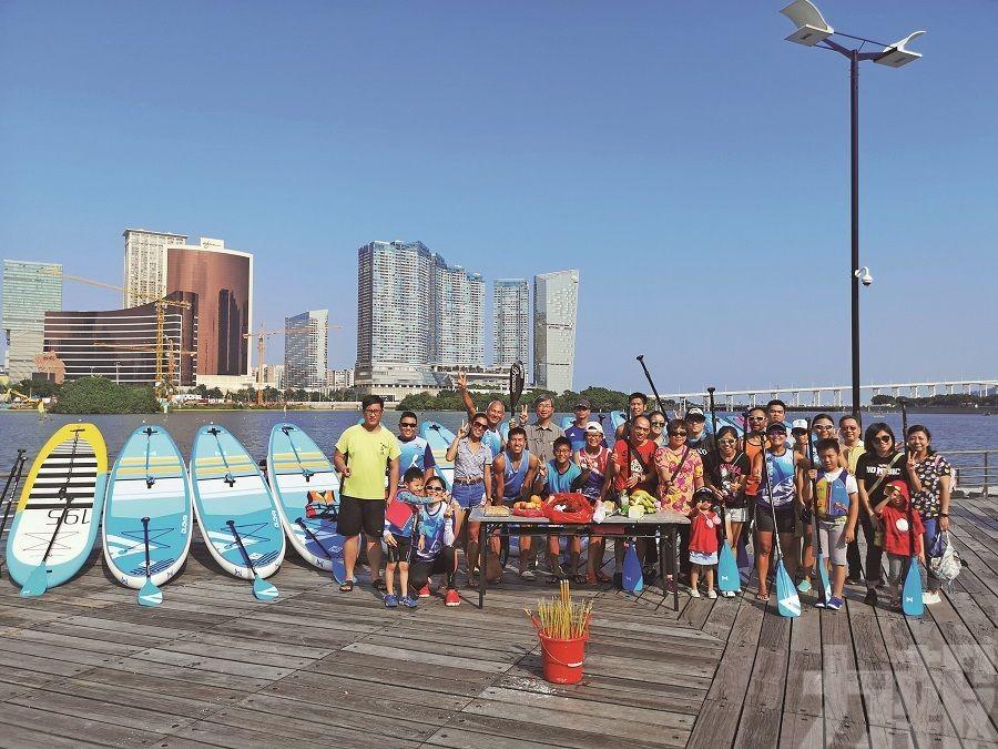 南灣湖潮玩立划板