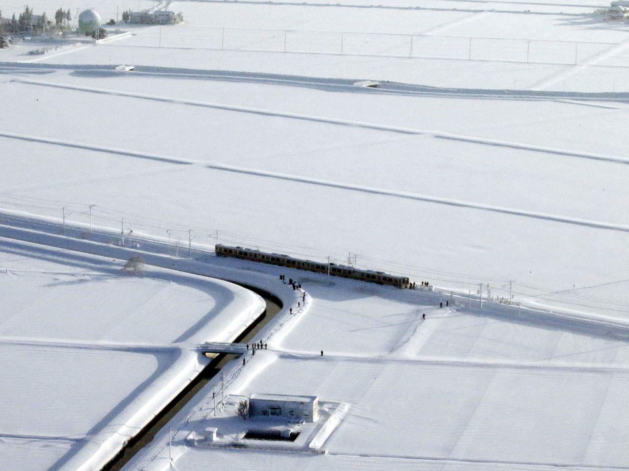 日本中部大雪多人傷亡