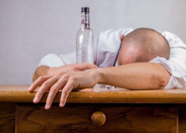 印尼25人飲假酒中毒身亡