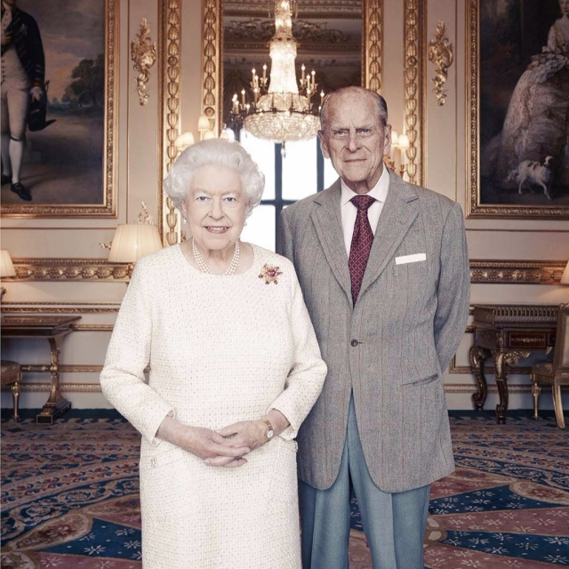 王室公布最新合影