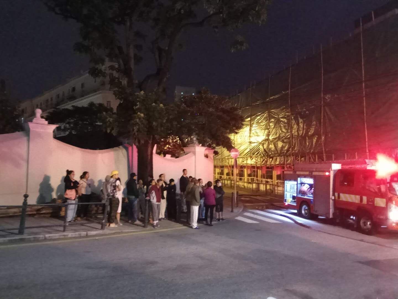 昌成大廈三樓火警20人疏散