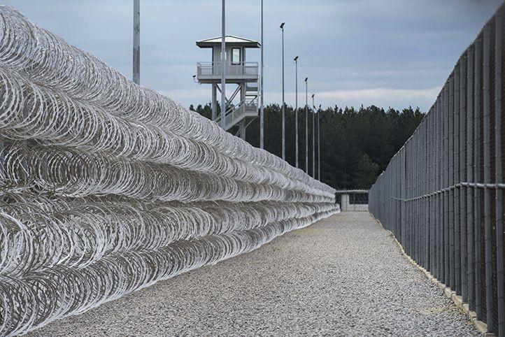 美監獄暴亂八小時 七死17傷