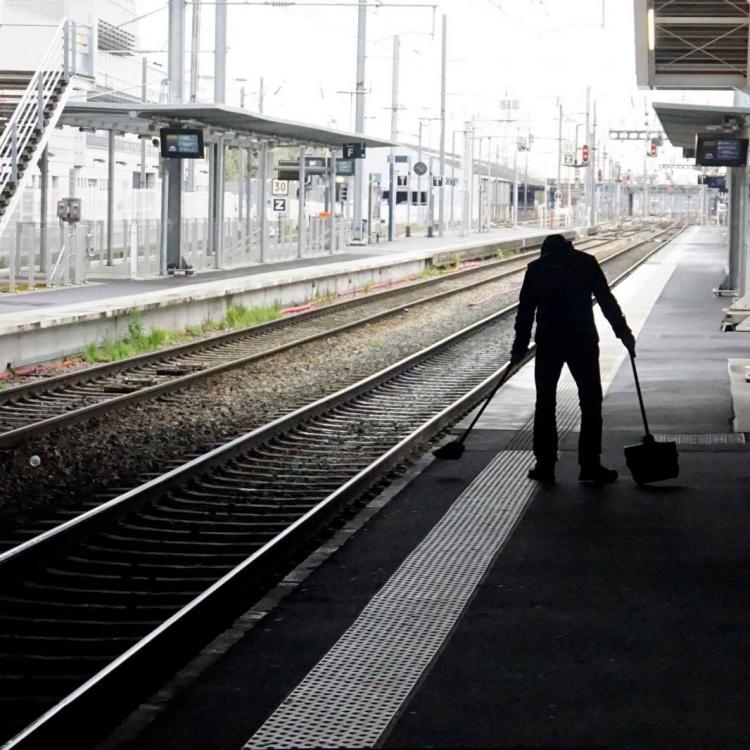 法國鐵路工人罷工三個月