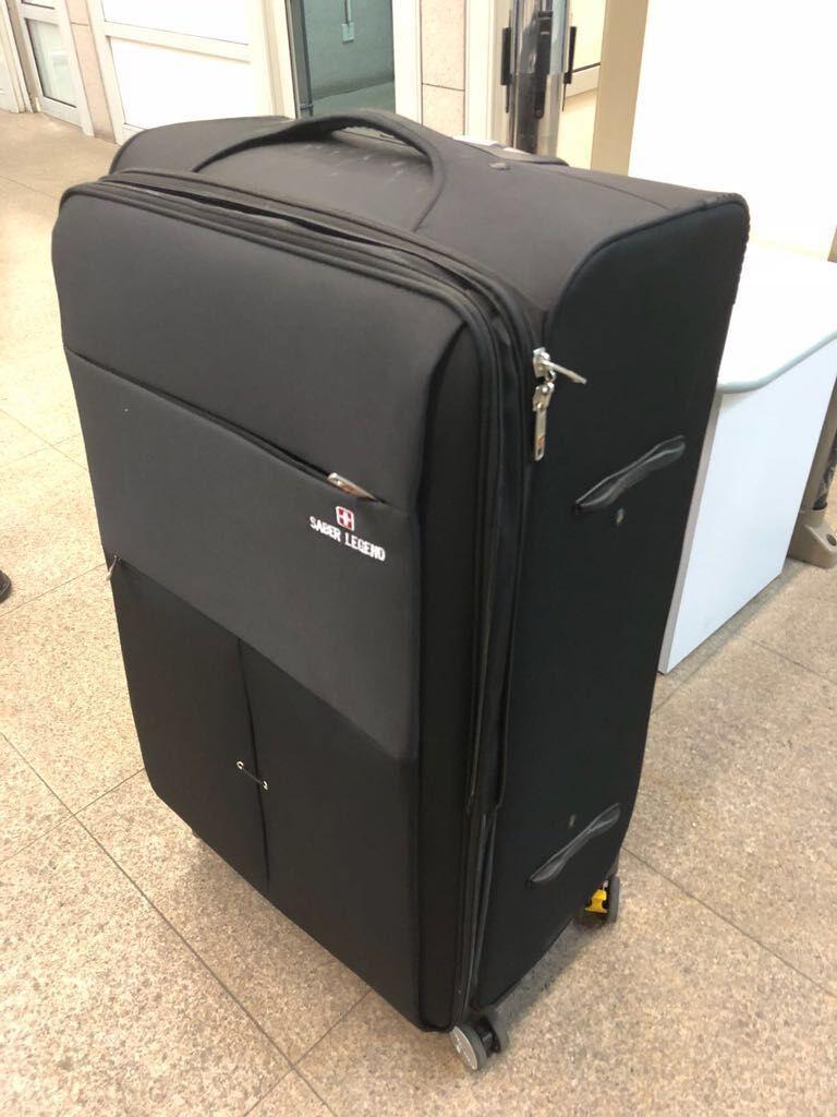 【縮骨功】內地男子藏行李箱偷渡來澳