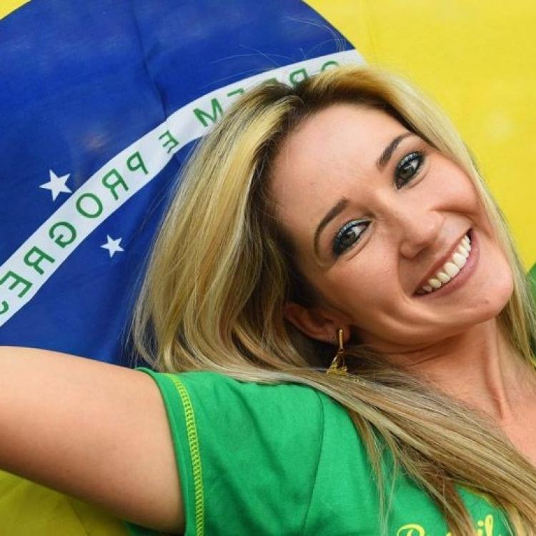 巴西公務員拎正牌睇波