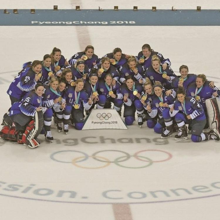 美國女子冰球隊挫加拿大摘金