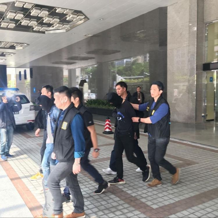 警拘13歲港女學生藏毒入境